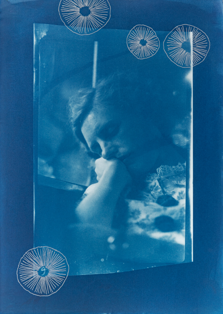 Sleeping woman with trochocyathus. 1/4 V.E. Cyanotype and silkscreen on Fabriano © Jonathan Brennan, 2020